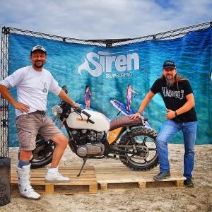 Das SIREN SUP Race Team für die Weltmeisterschaft am SUPsurfing Messestand