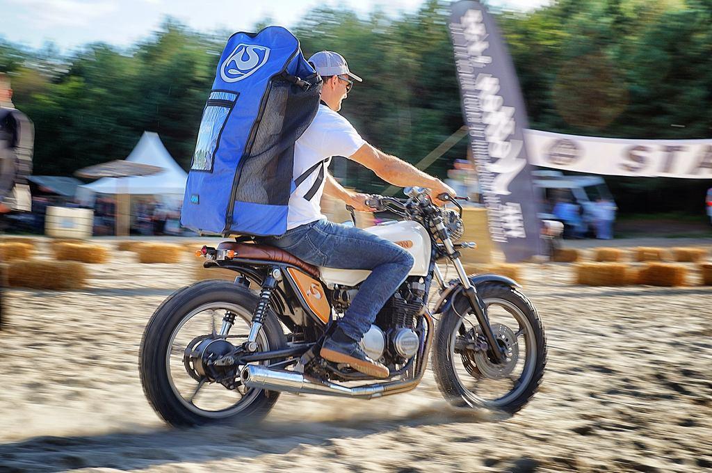 SUP auf dem Motorrad - wheels and wake Cafe Racer und SUP Festival mit SIREN SUPsurfing