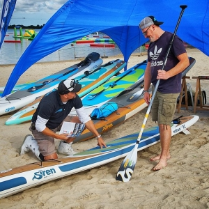 wheels and wake Cafe Racer und SUP Festival mit SIREN SUPsurfing